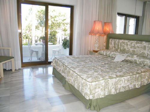 La Alcazaba Apartment, Double bedroom, one of 3 double bedrooms
