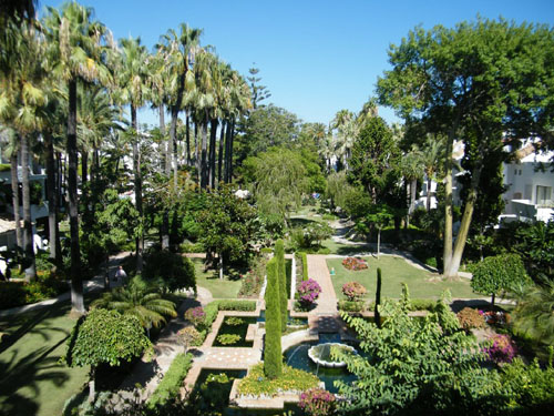 La Alcazaba, Puerto Banus, Exotic Gardens, so near to Puerto Banus